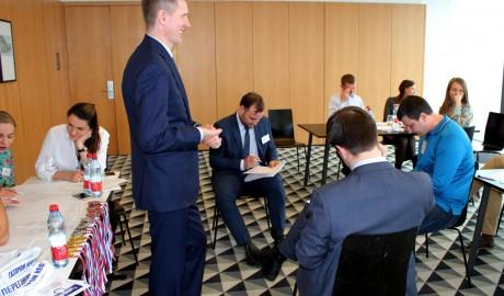 Турнир переговорщиков за право носить белый пояс